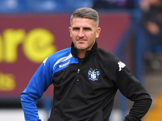 Ryan Lowe backs bottom side Bury to get out of relegation zone