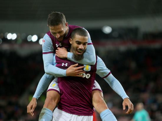 Aston Villa keep the pace as limp Sunderland lose again