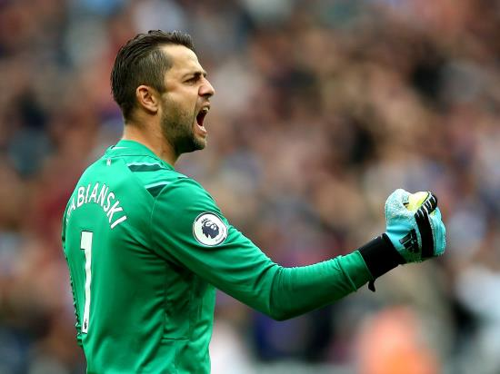 Fabianski and Snodgrass in contention for West Ham return