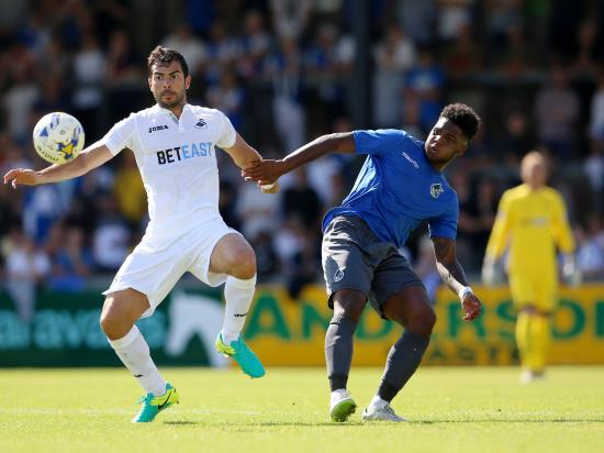 Ellis Harrison returns but Ben Close injured for Portsmouth clash with Fleetwood