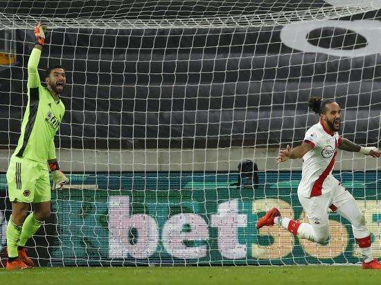 Theo Walcott scores first Southampton goal since 2006 in ...