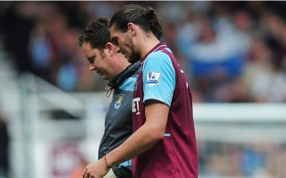 Fulham  Carroll injury blow mars West Ham debut