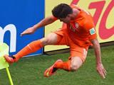 Cooling breaks key to Netherlands win - Van Gaal