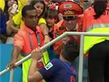 Robin van Persie gave his medal & captain's armband to Dutch super fan the Oranje Generaal