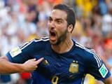 Higuain wildly celebrates disallowed goal in World Cup final