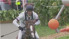 Britain Fox-Pitt wins Equestrian cross-country