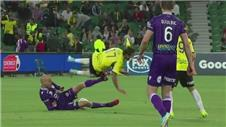 17 second red card in Australian A-League