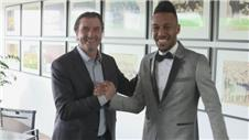 Aubameyang extends Borussia Dortmund contract
