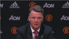 Jubilent Van Gaal after Manchester United go top