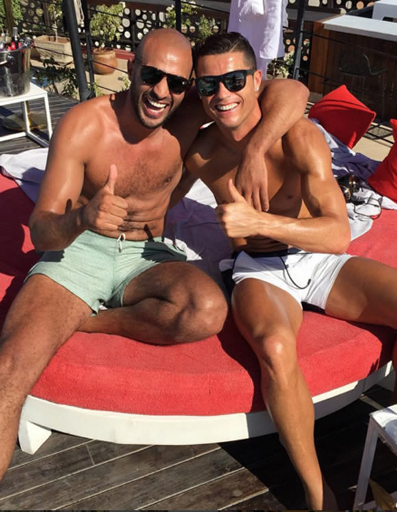'Cristiano Ronaldo in secret gay relationship with kickboxing hunk' reports rock Madrid