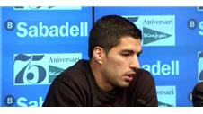 Suarez emotional at charity event