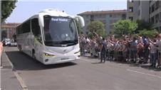 Real Madrid arrive to fanfare in Milan