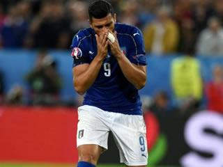 Pelle apologises for penalty miss