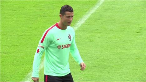 Pepe misses Portugal training ahead of Wales