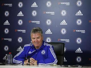 Ex-Chelsea boss Guus Hiddink actively seeking talks over England manager's job – report