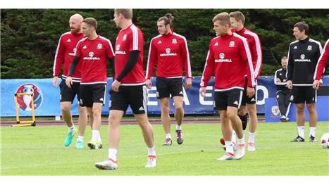 Wales prepare for historic semi