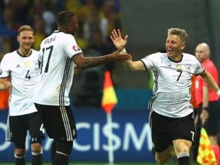 Schweinsteiger fit for Euro semi