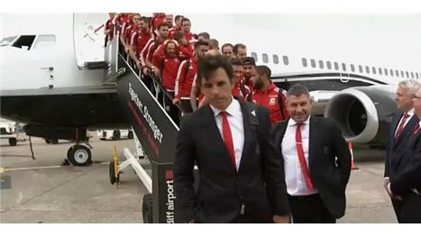 Wales return to heroic welcome after Euro 2016 semi-final