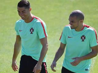 Pepe back in training with Portugal squad ahead of Euro 2016 final