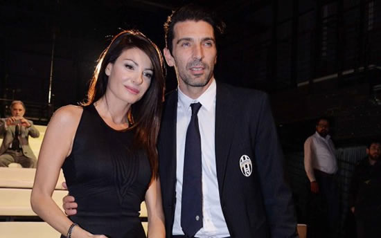 Picture of Gianluigi Buffon & girlfriend Ilaria D'Amico goes viral, causes Italian controversy
