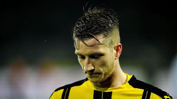 Borussia Dortmund's Marco Reus says he would give away all his money to be fit again