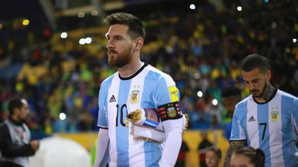 Lionel Messi said he didn`t know details of Neymar`s Barcelona exit