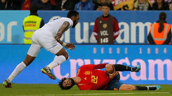 Sound the alarms: Isco, injured, almost ruled out for Russia