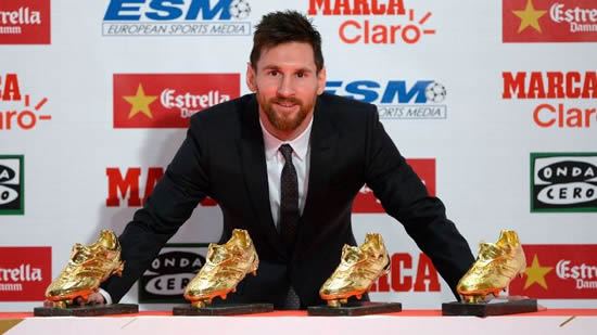 Barcelona's Lionel Messi avoids talk of new contract at Golden Shoe awards
