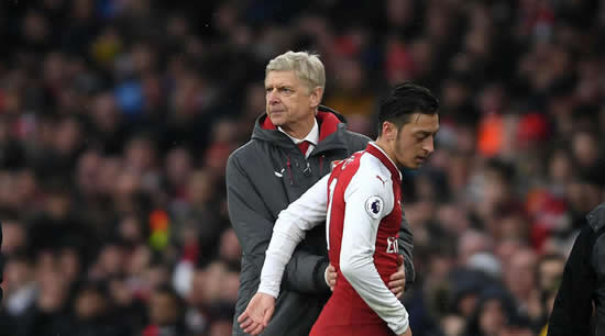 Wenger unbothered by Ozil transfer speculation