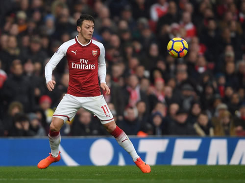 Mesut Ozil and Alexis Sanchez won't leave Arsenal in January