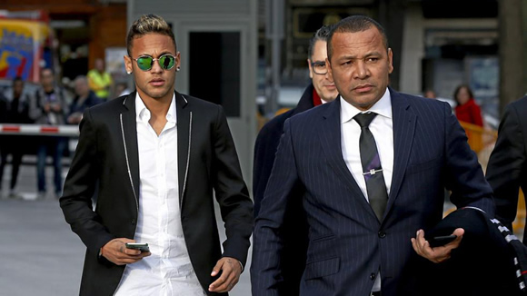 Neymar's father: Neymar to Madrid? I can't talk about something that doesn't exist