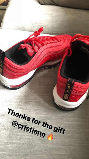 Manchester United starlet Marcus Rashford thanks Cristiano Ronaldo for free Nike trainers