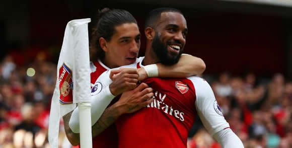 Arsenal's Bellerin slams Daily Mail as 'click baiters'