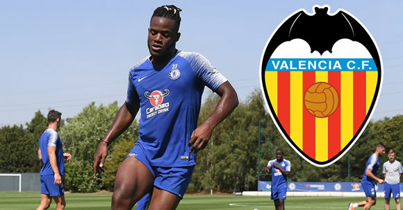 Michy Batshuayi to leave Chelsea and join Valencia on loan