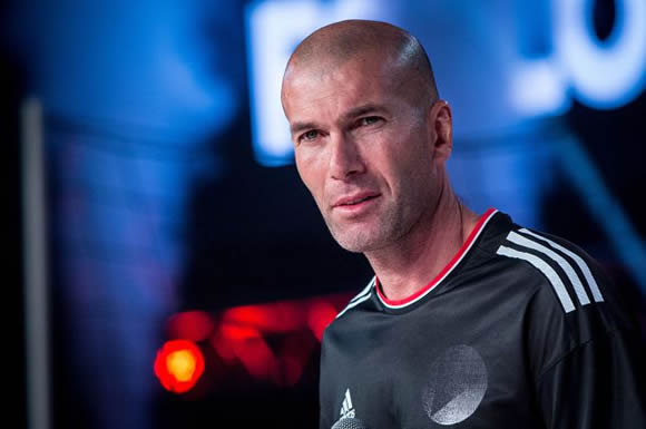 Zinedine Zidane wants Manchester United job and is taking English lessons to prepare for role