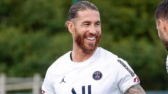 Sergio Ramos' PSG debut delayed again
